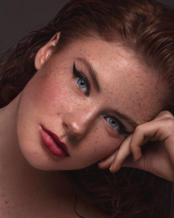 Eyeliner en sproetjes makeup lotte concepts